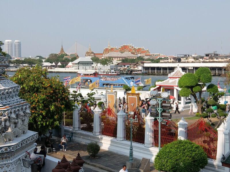 Бангкок - Вид на причал со стороны Арун Ват