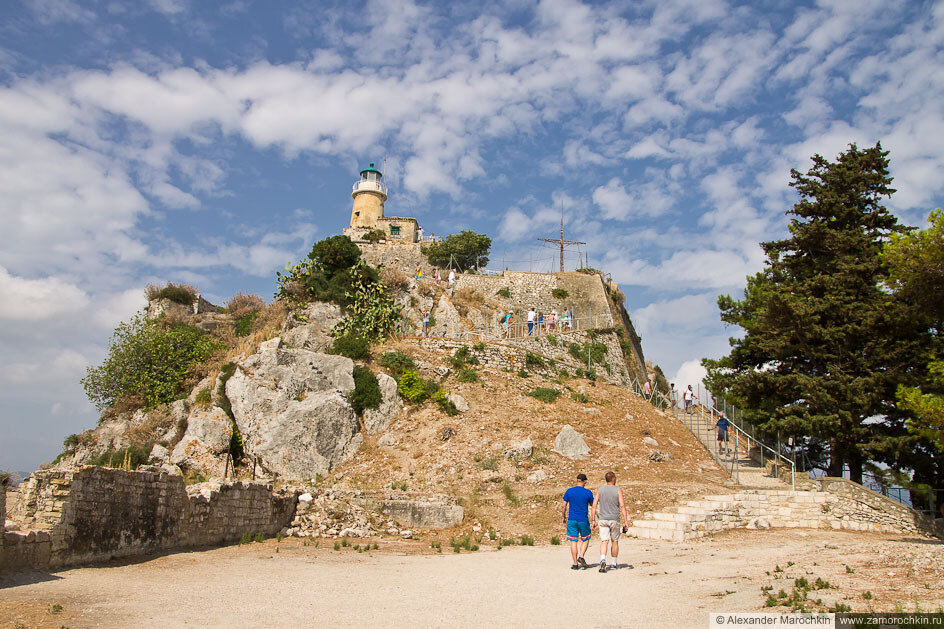 Маяк на вершине Старой Крепости Керкиры (Корфу, Греция)