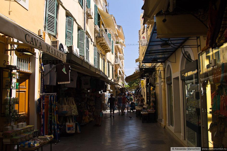 Улица в городе Керкира, о. Корфу, Греция