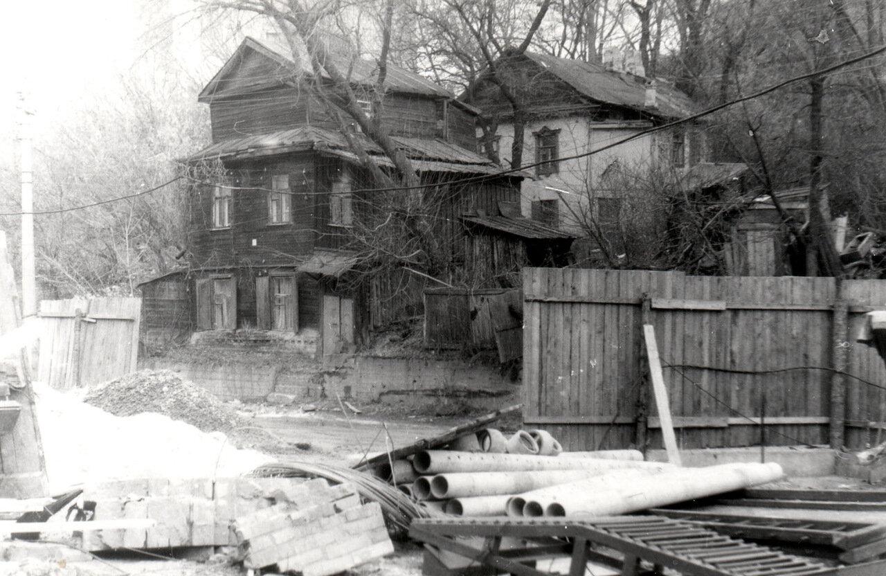 Особняк по ул. Петровской в 1986 году.
