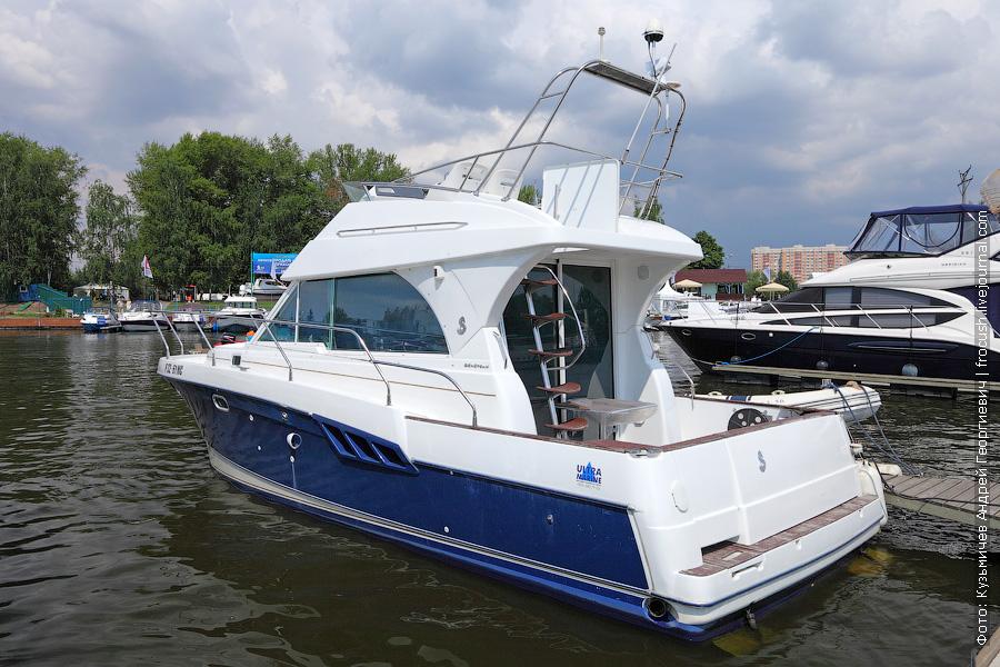 Яхта Beneteau