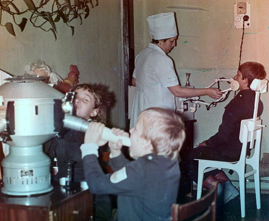 Novorossiysk. 1981. Children's Clinic. In the treatment room
