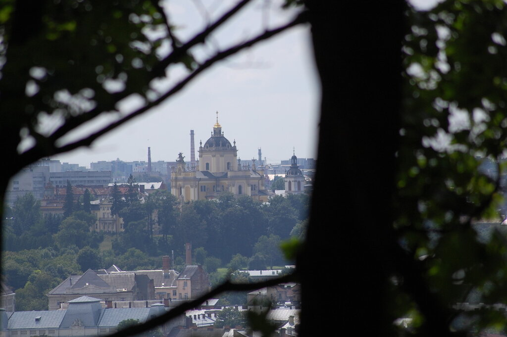 собор св. Юра - вид с замковой горы (у грота)