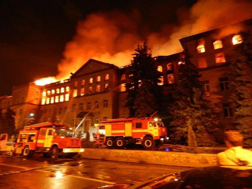 В Киеве сгорел 3-й корпус Национального Аграрного Университета