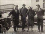 1963 PARIS Obsèques d'Edith Piaf - Danielle Bonel et Théo SARAPO