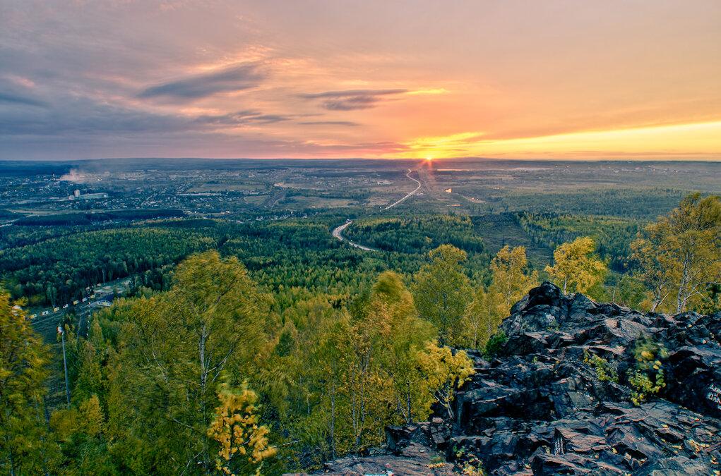 4. Закат над Московским трактом. Вид с горы Волчиха
