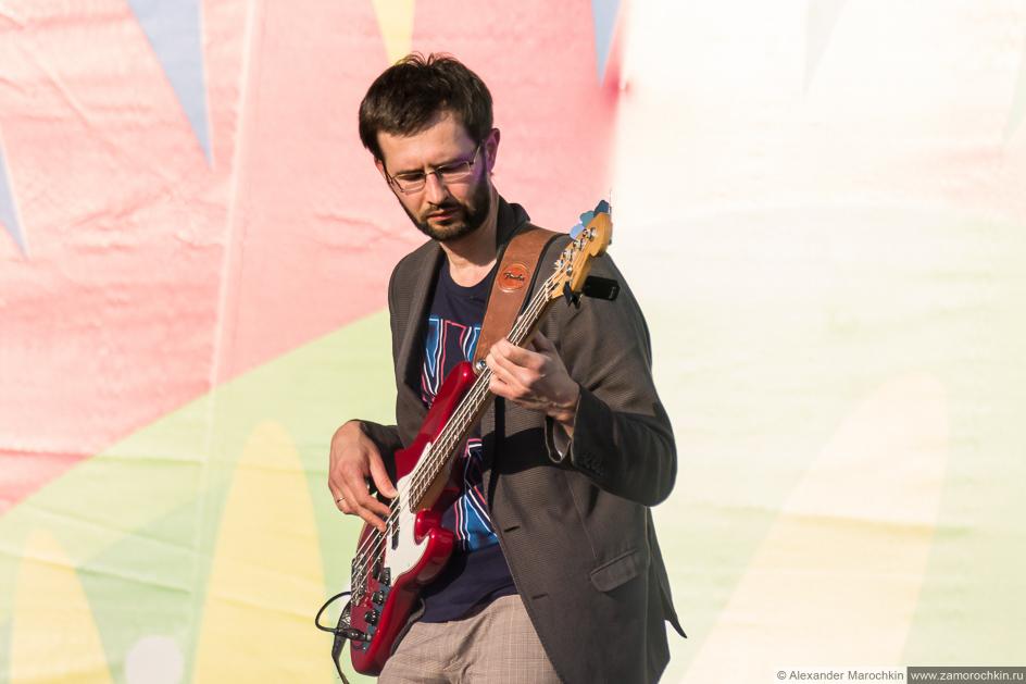 Бас-гитарист группы October Sun на фестивале FIFA Fan Fest в Саранске