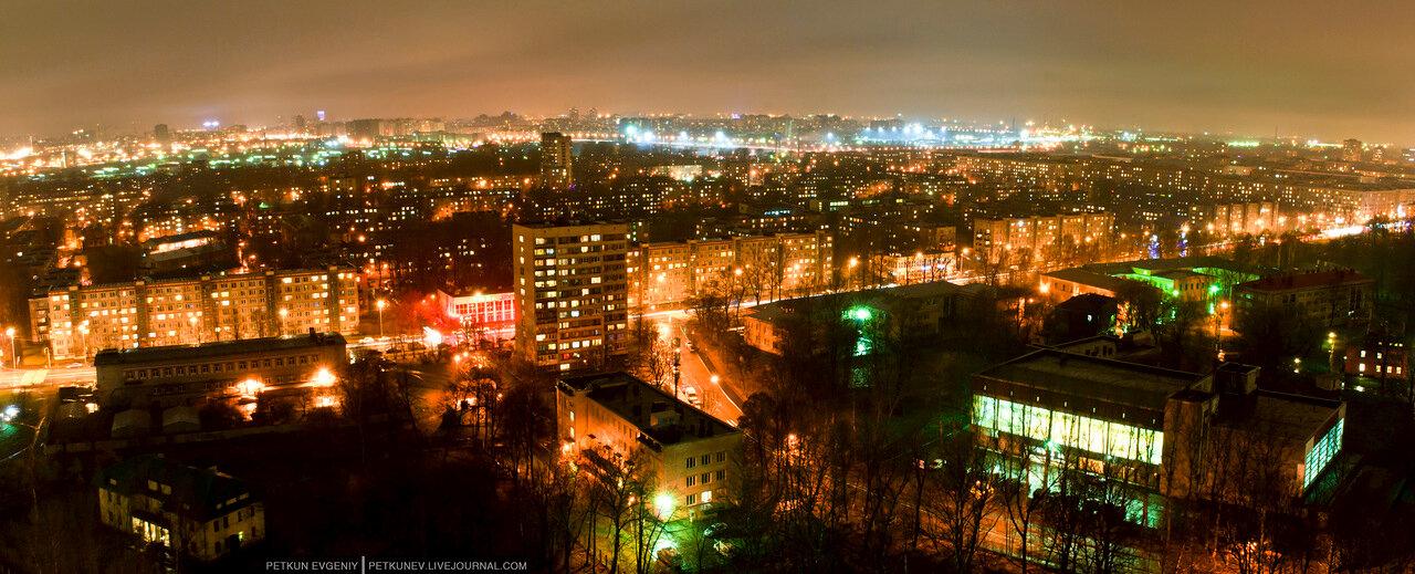 Автор: Петкун Евгений, фото: Дом у Речного вокзала