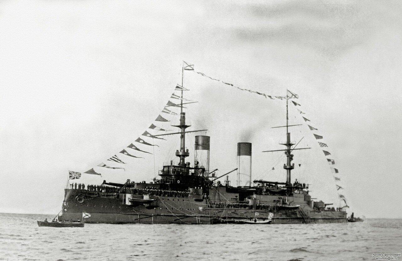 12. Эскадренный броненосец «Князь Суворов» на Ревельском рейде, сентябрь 1904 г.