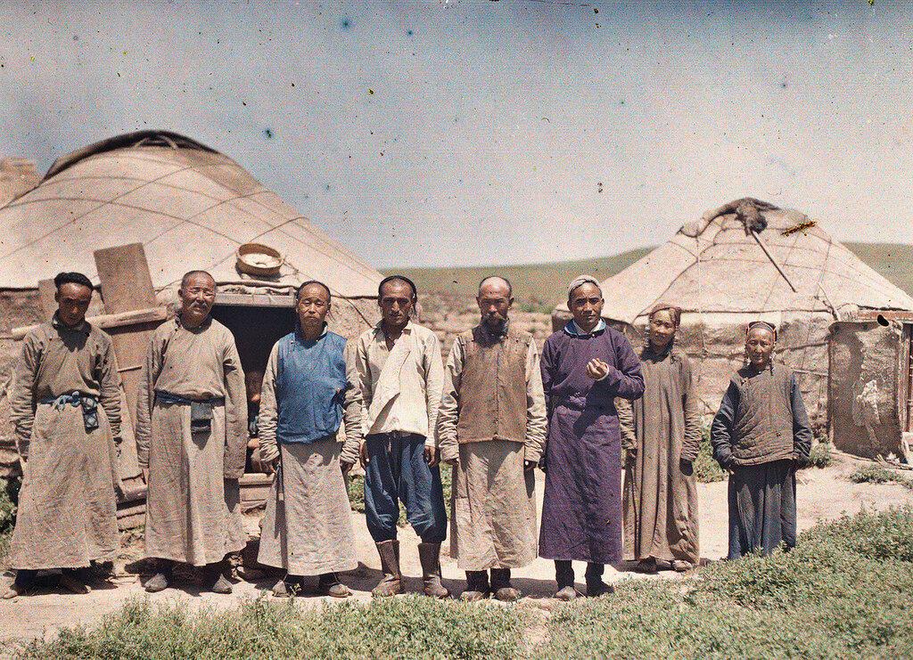 Поселение кочевников во Внутренней Монголии. Китай