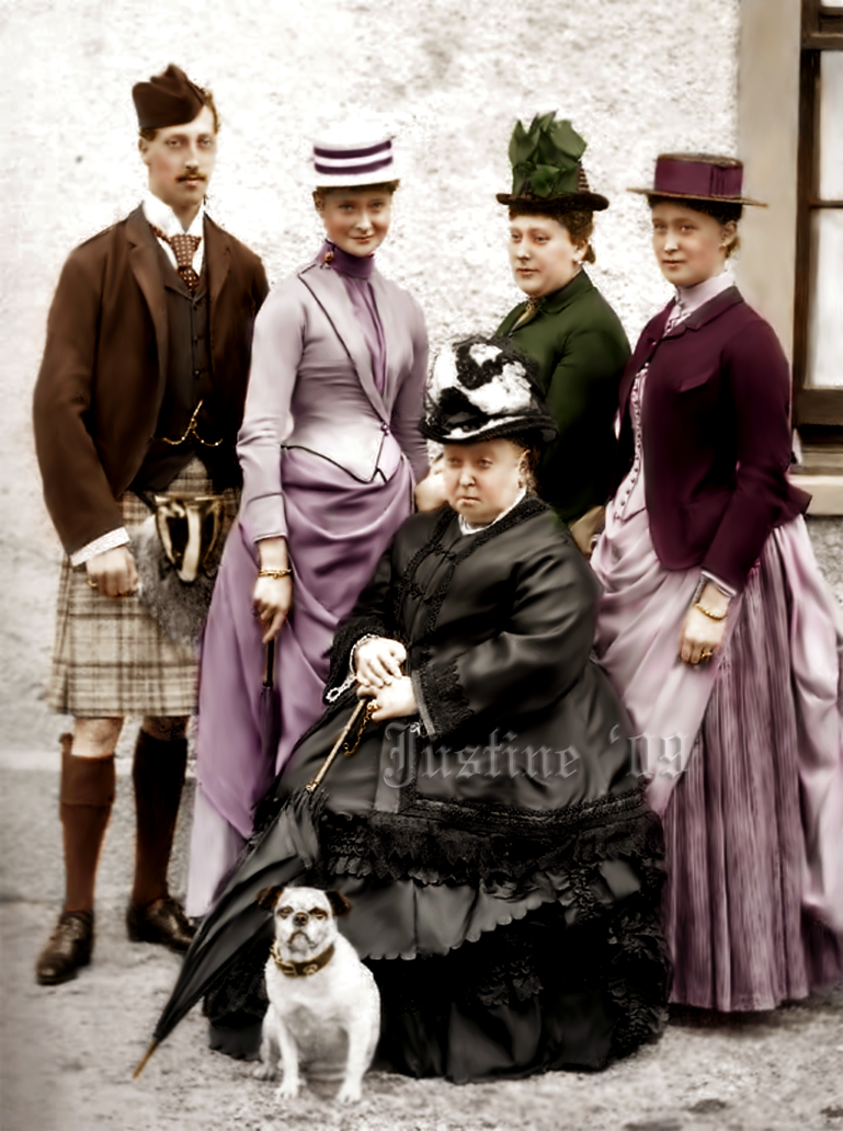 queen_victoria_with_family_by_alixofhesse.png