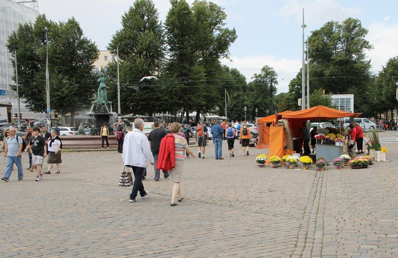 Helsinki, Market square (Kauppatori, Salutorget)