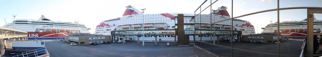 Турку, Паромный терминал. Паром Принцесса Балтики. Turku, Ferry terminal, Baltic Princess, panorama