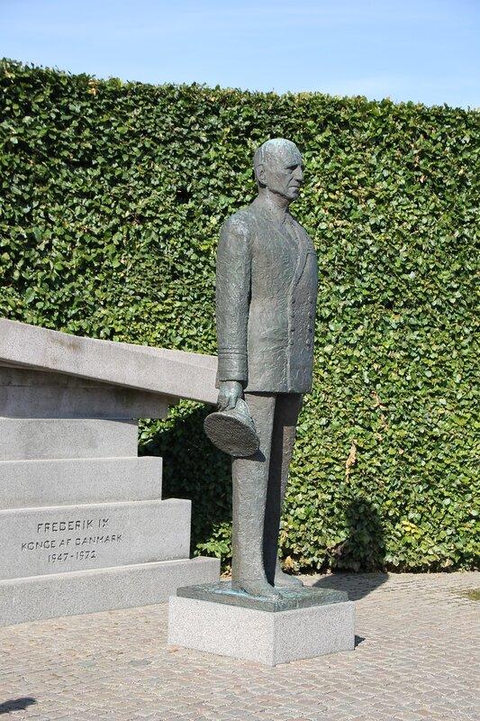 Копенгаген. памятник Фредерику IX. Frederik 9 Copenhagen.