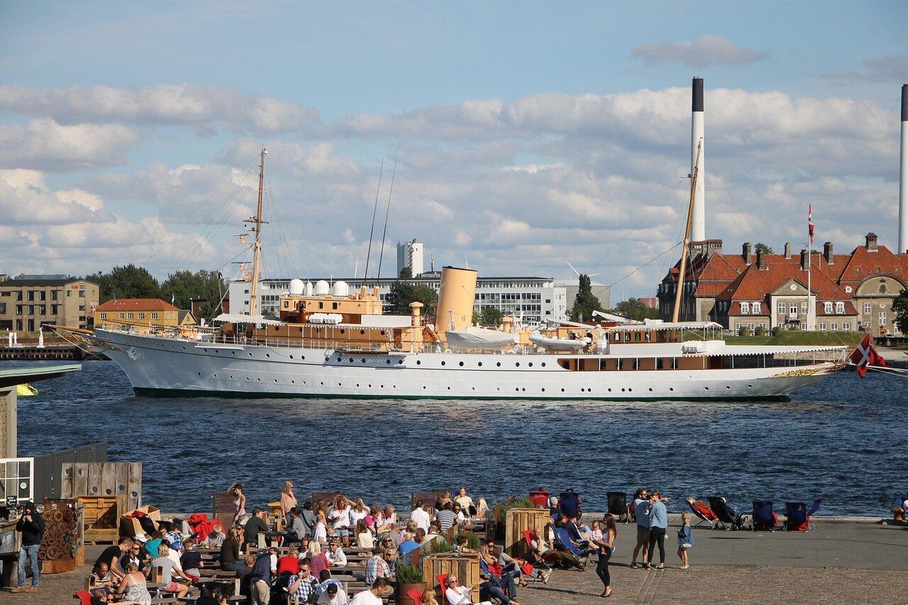 Копенгаген. Королевская яхта Dannebrog