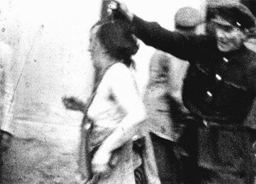 секс Брюнетка попала в плен к сексуальному маньяку и не прочь исполнить все его приказы. было несопоставимым, так это
