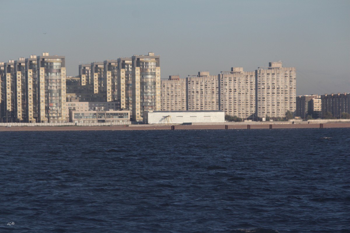 Жилой комплекс «Морской Каскад»  и Монолитные дома на опорах («Курноги»)
