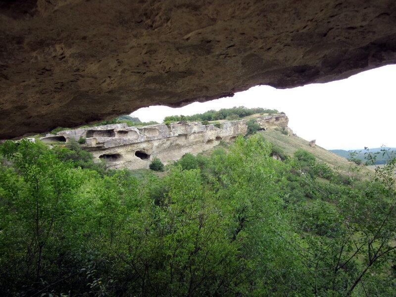 Остатки пещер в Бакле