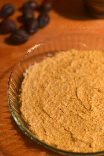 Сливовый пирог (тесто до выпечки)