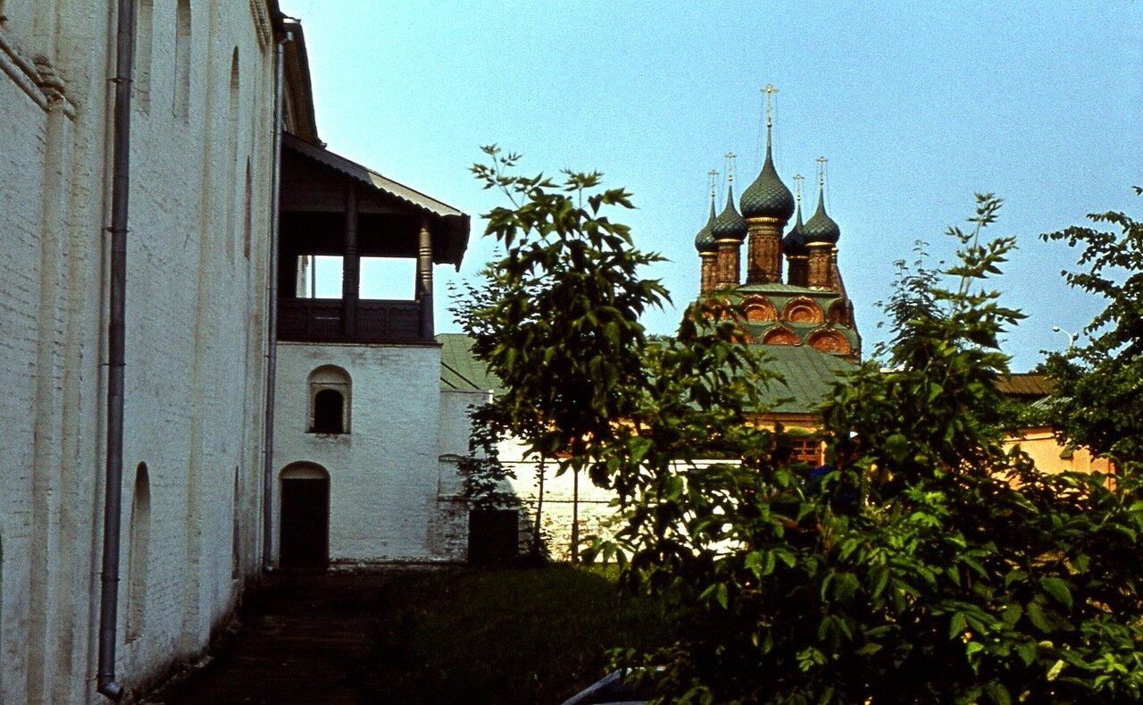 10.  Церковь Михаила Архангела