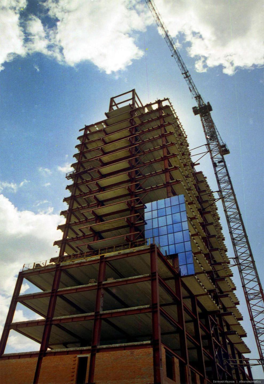 66. Летом 2001 года проект пережил новый кризис, который привёл к разрыву с мастерской Александра До