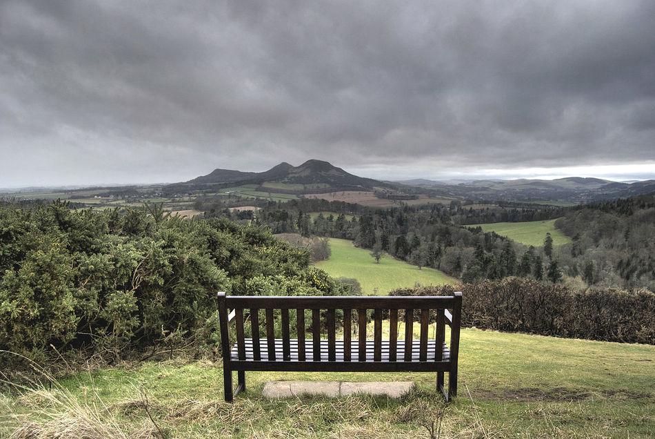 Это место, откуда открывается чудесный вид на просторы Шотландии, как считается, являлось излюбленны