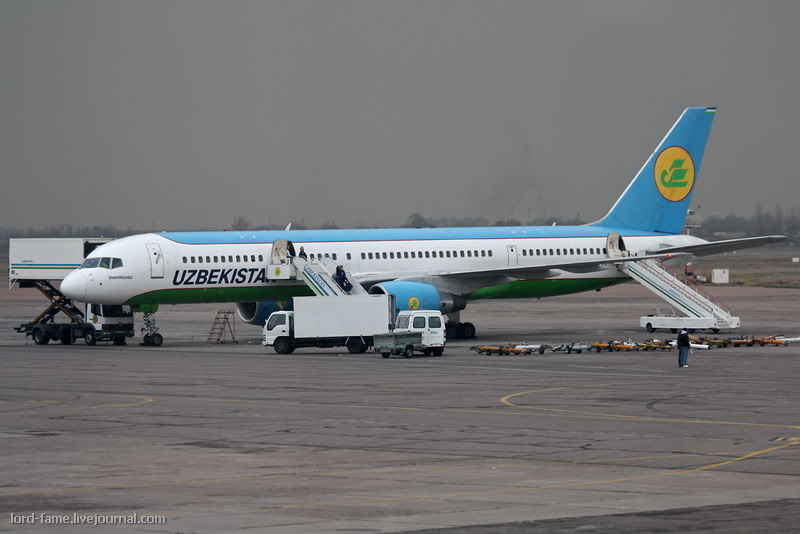 B-757_VP-BUD_Uzbekistan_Airways_2_TAS_for_.JPG