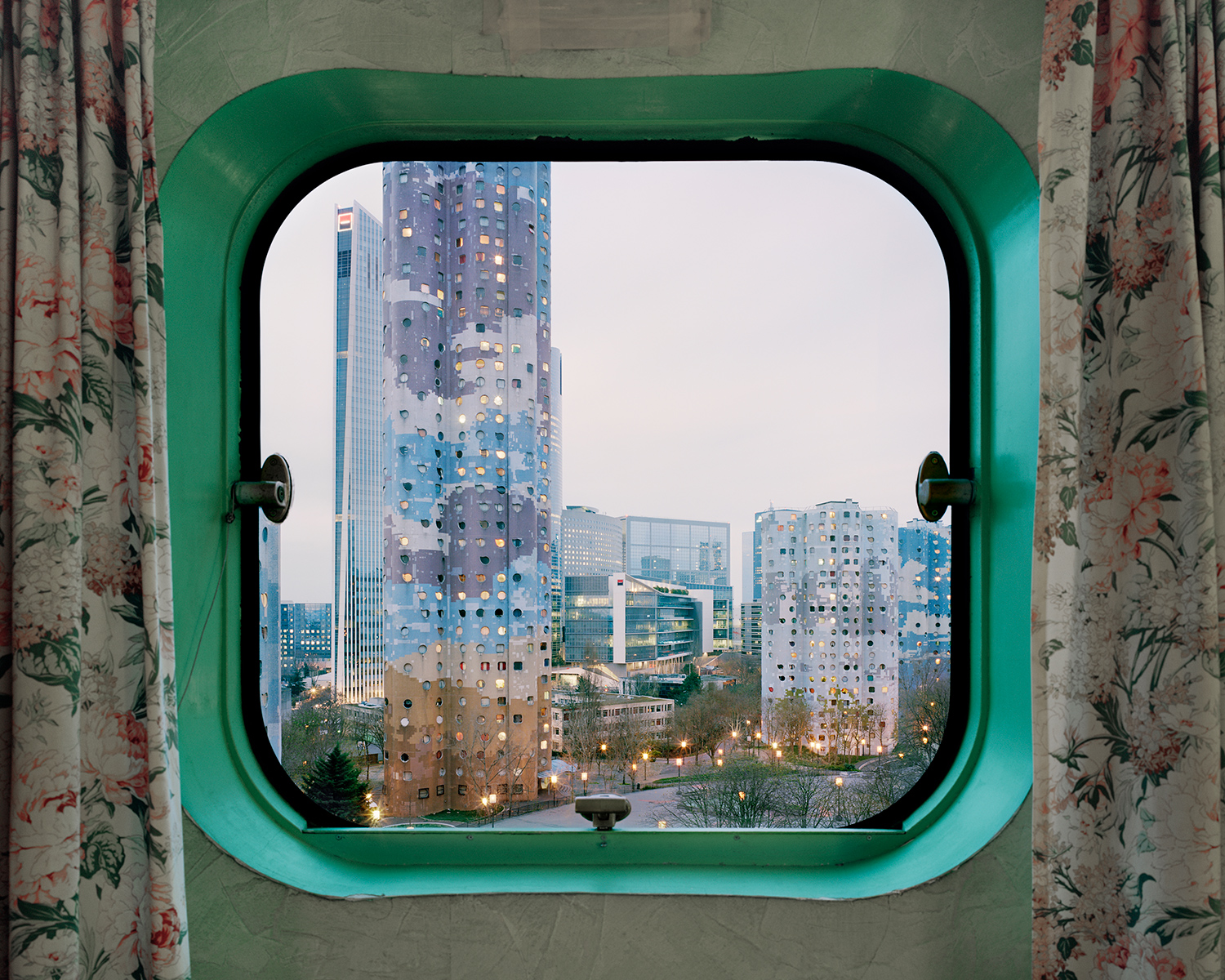 Futuristic Portholes Capture the View from France's Aging 'Tours Aillaud' Apartment Towers
