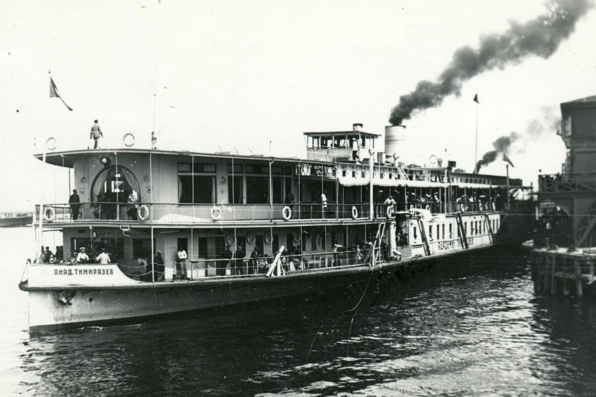 вторую картинки старинных пароходов что