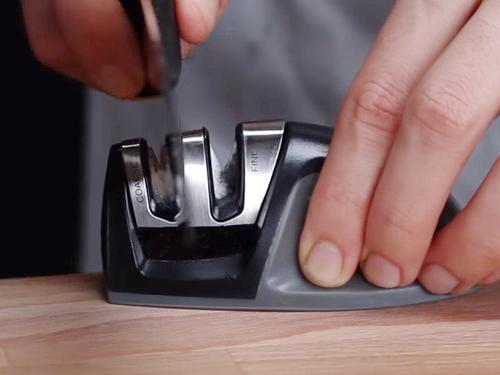 Почему все продольные точилки - это плохо для ножей?