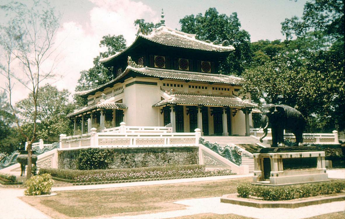 14. Памятник в зоопарках