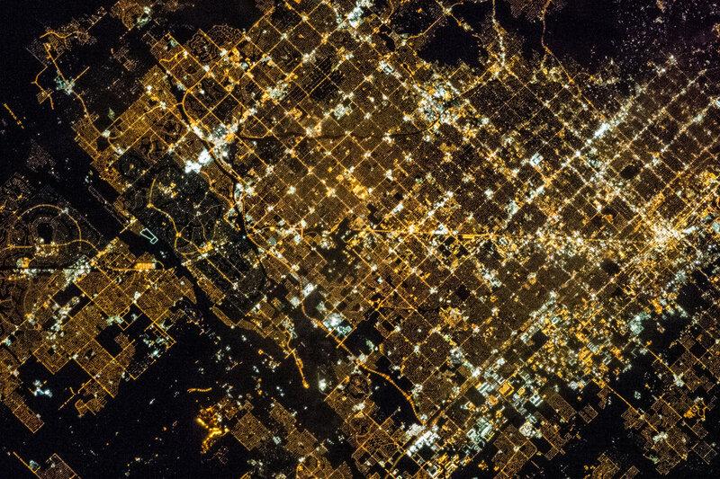 Финикс ночью из космоса