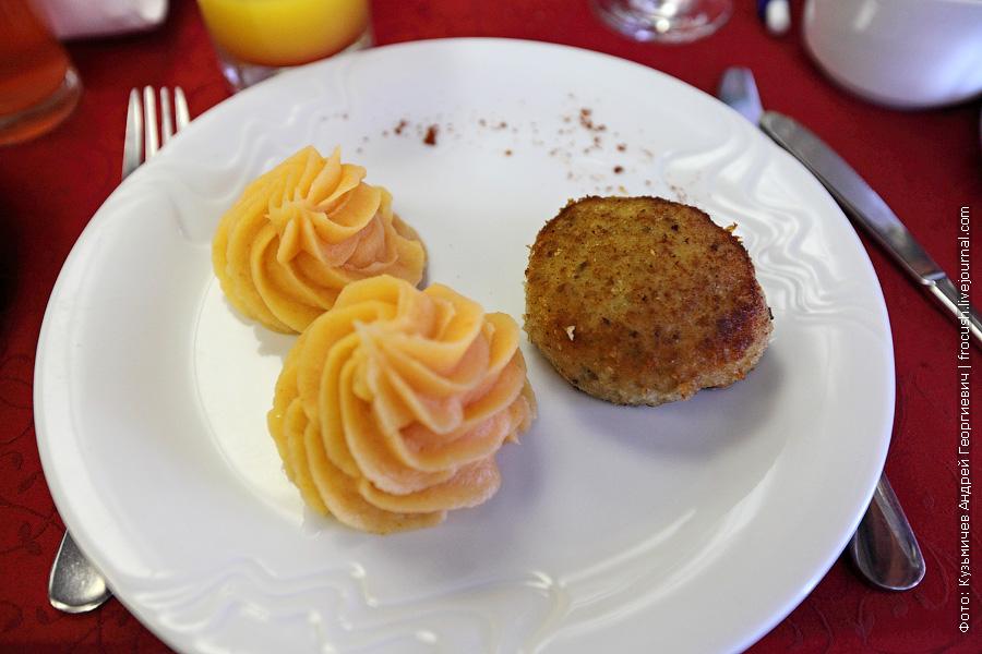 Биточки рыбные особые, картофельное пюре