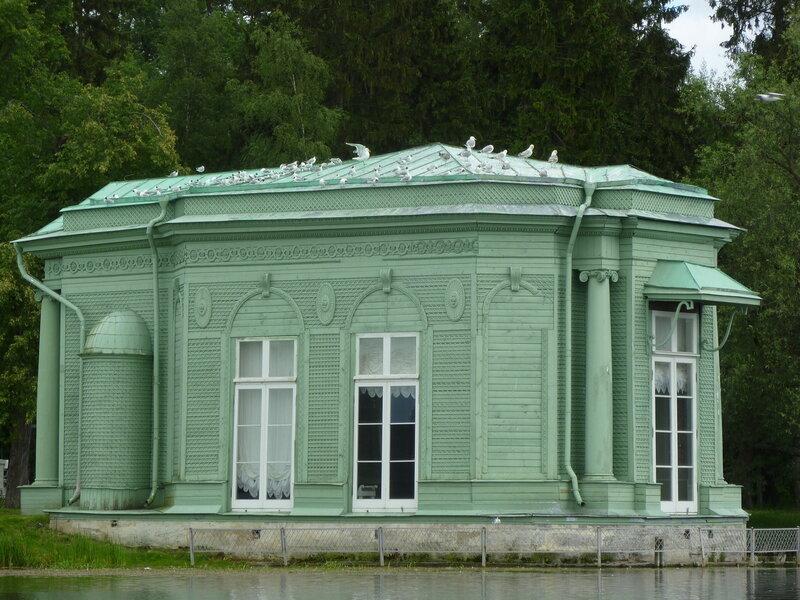 Павильон Венеры и много чаек:)