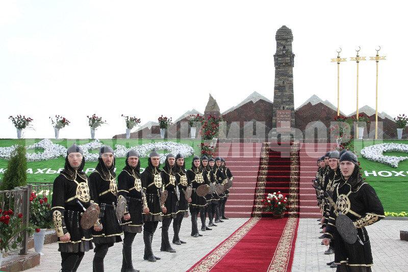 Памятник чеченским женщинам, которые убивали русских