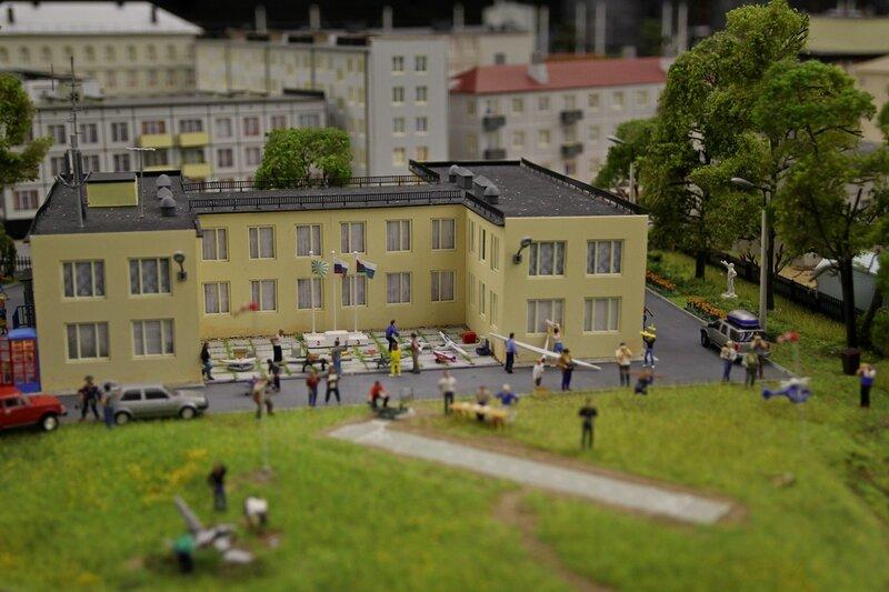 Гранд макет: авиамодельные соревнования у дворца пионеров