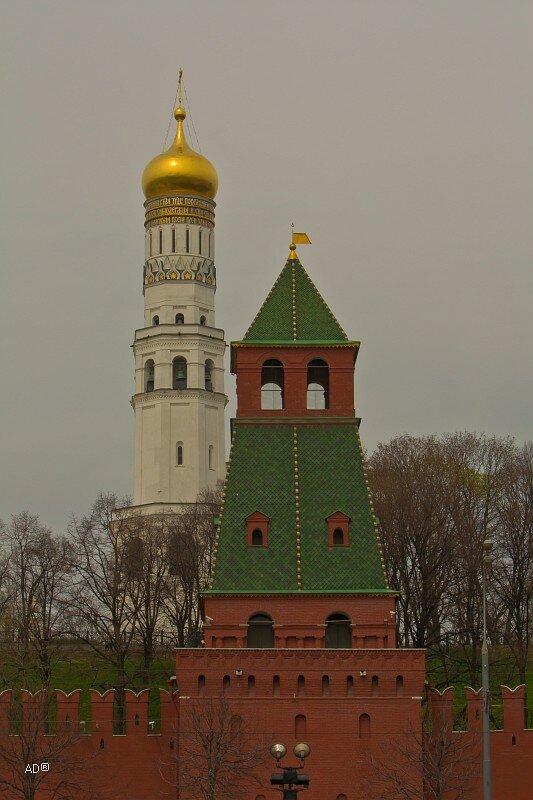 Пороховая башня и Колокольня Иван Великий