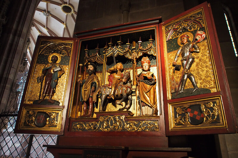 Страсбургский собор. Алтарь: Св. Роха, Св. Маврикия и Св. Николая