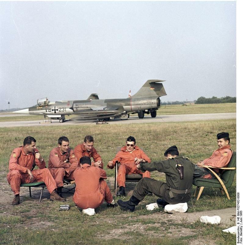 Flugzeuge F-104 Starfighter, MFG 1