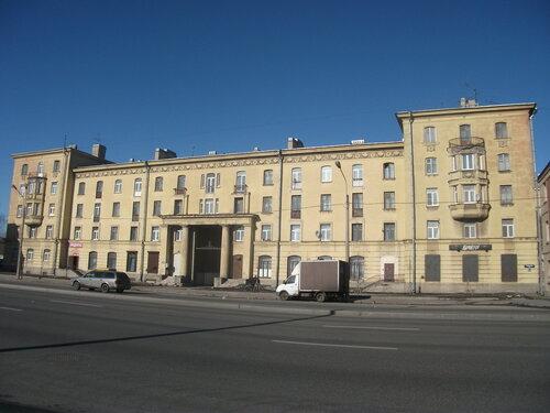 Октябрьская наб. 24к1