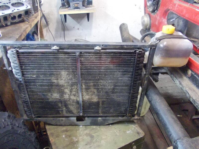 Продам Радиатор 3110 с рамкой крепления под Уаз.