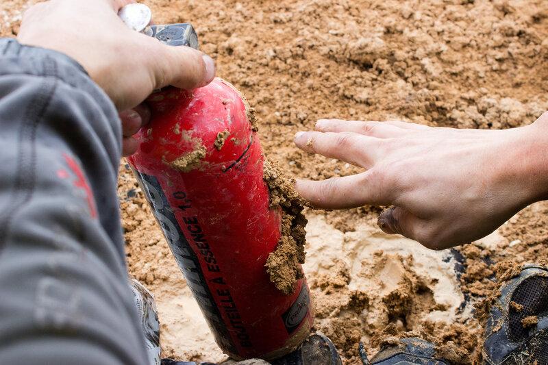 липкая глина после дождя