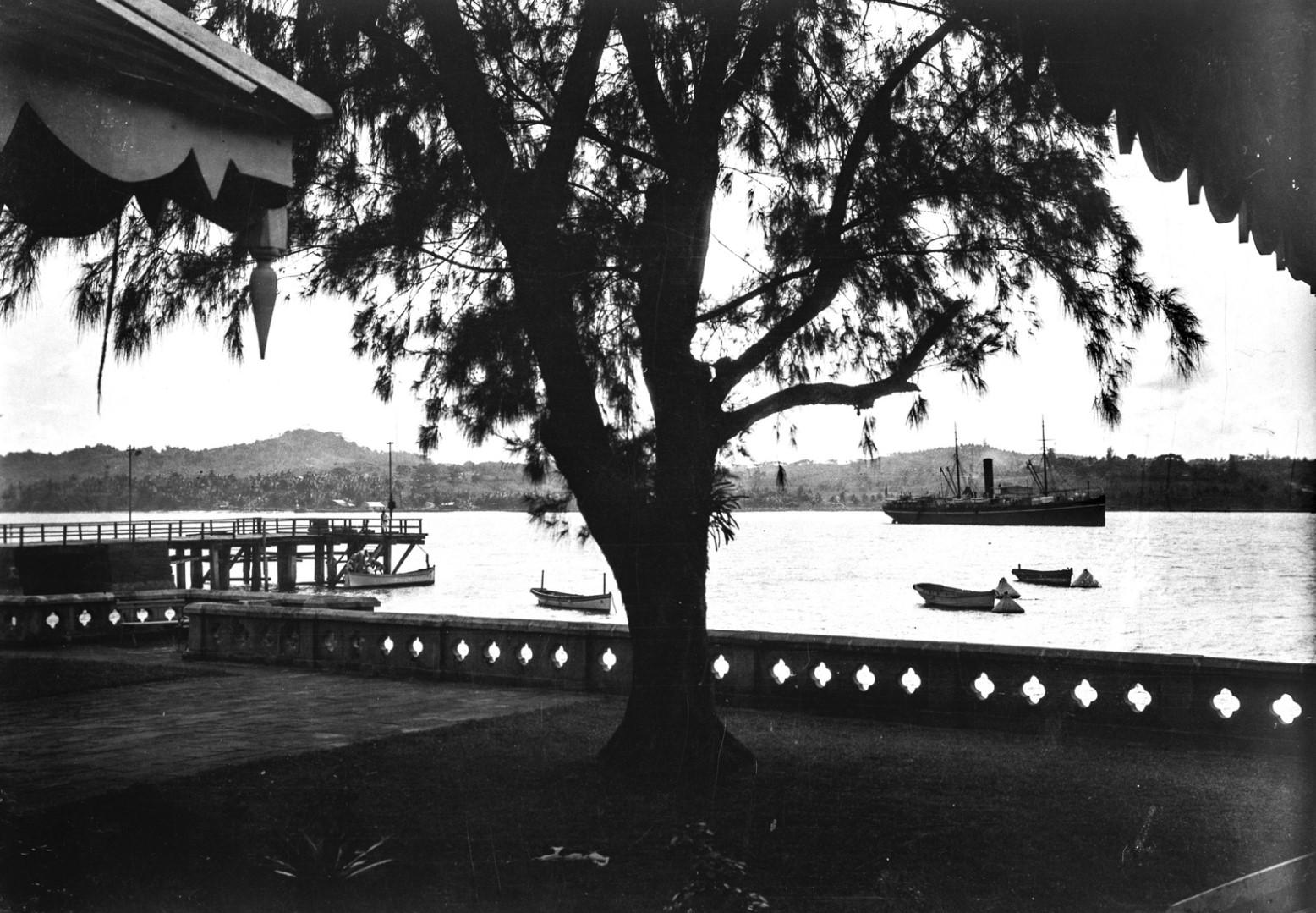 1127. Вид гавани в Порт-Блэр
