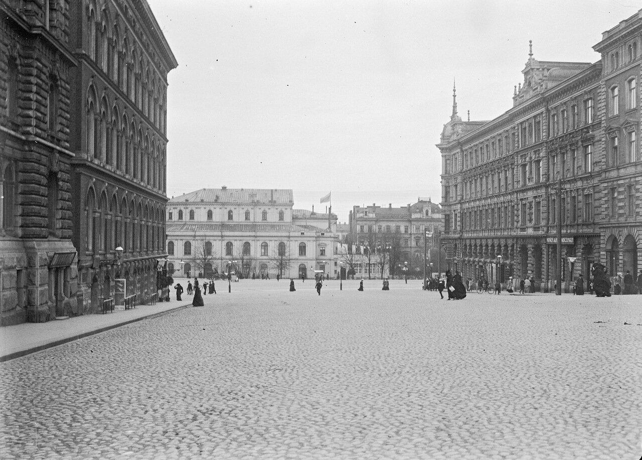 Площадь Эроттая и Шведский театр