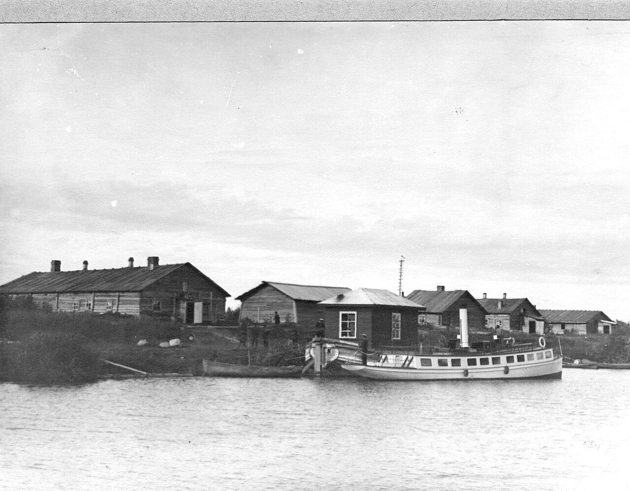 Вид части берега Ладожского канала