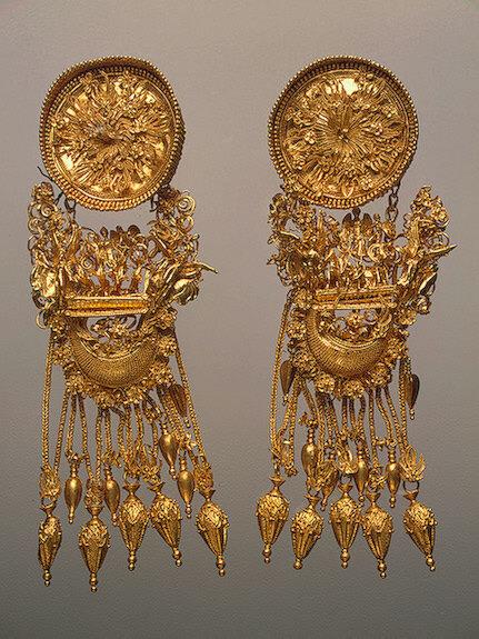 Earrings, 330-300 BCE, Ancient Greece