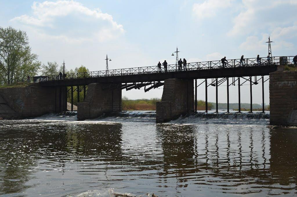 Старая плотина на пруду Коммунар (23.01.2014)