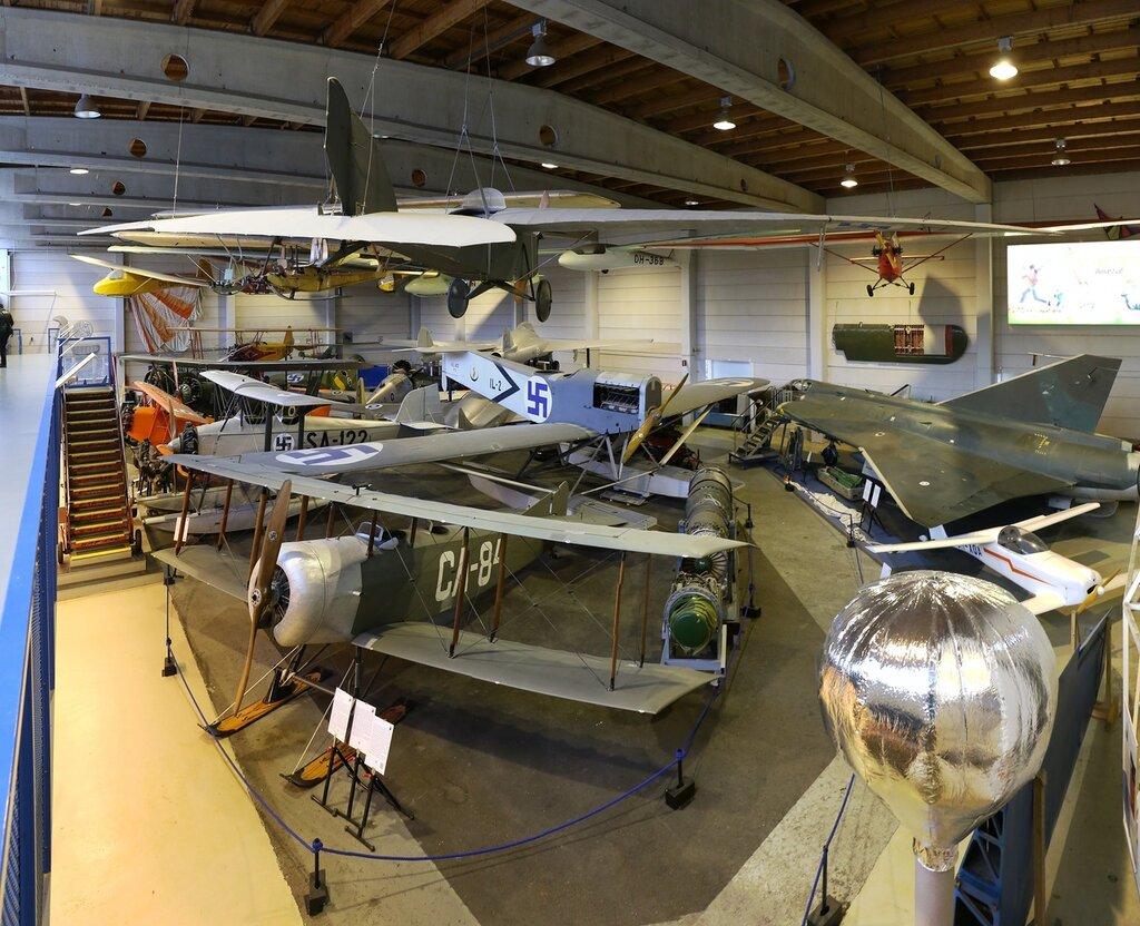 Авиамузей Хельсинки-Вантаа. Зал военной авиации.