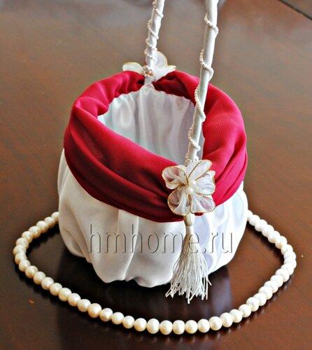 Декоративная корзинка для украшения интерьера