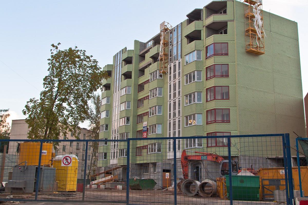 Строящийся семнадцатиэтажный дом серии П-44Т спустя 3 недели! после ограждения места под строительство